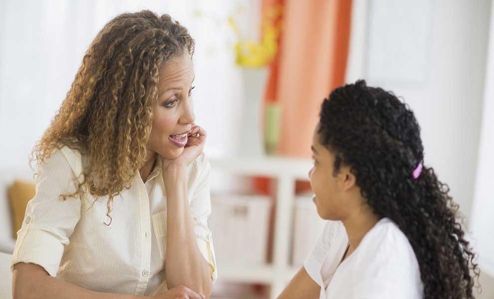 تاثیر لحن کلام مادر در ایجاد رابطه مادر با کودک و نوجوانش