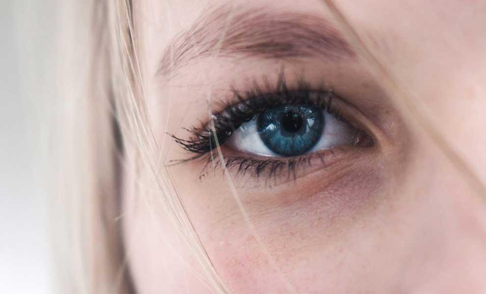 نقش رنگ چشم و پوست در افسردگی فصلی