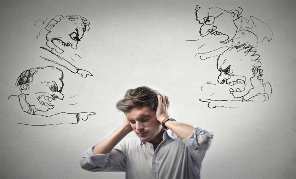 چگونه می توانید منتقد درونی خود را ساکت کنید؟